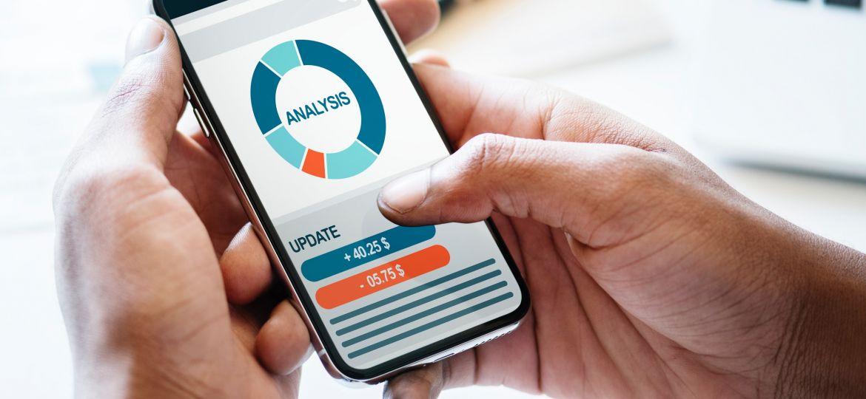 analysis-cellphone-checking-984543